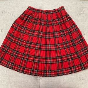 Dresses & Skirts - ✅ Red plaid Skirt fits small/xsmall